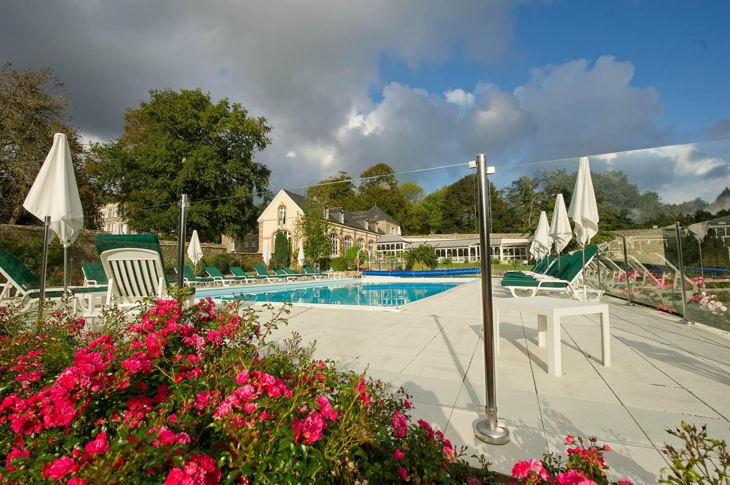 Hotel chateau locguénolé piscine - kervignac - morbihan bretagne sud ©