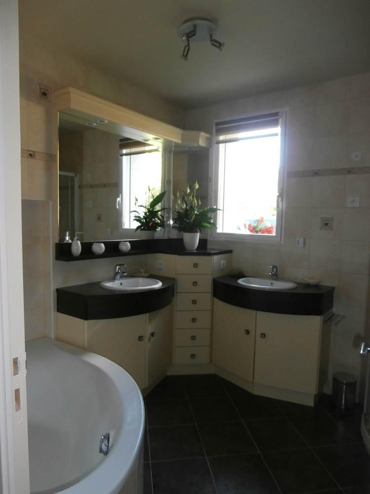 Salle de bain - chambre orange © Mr Guy Moreau
