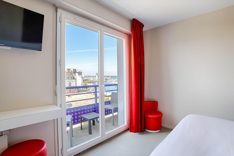 Chambre confort vue mer balcon ©