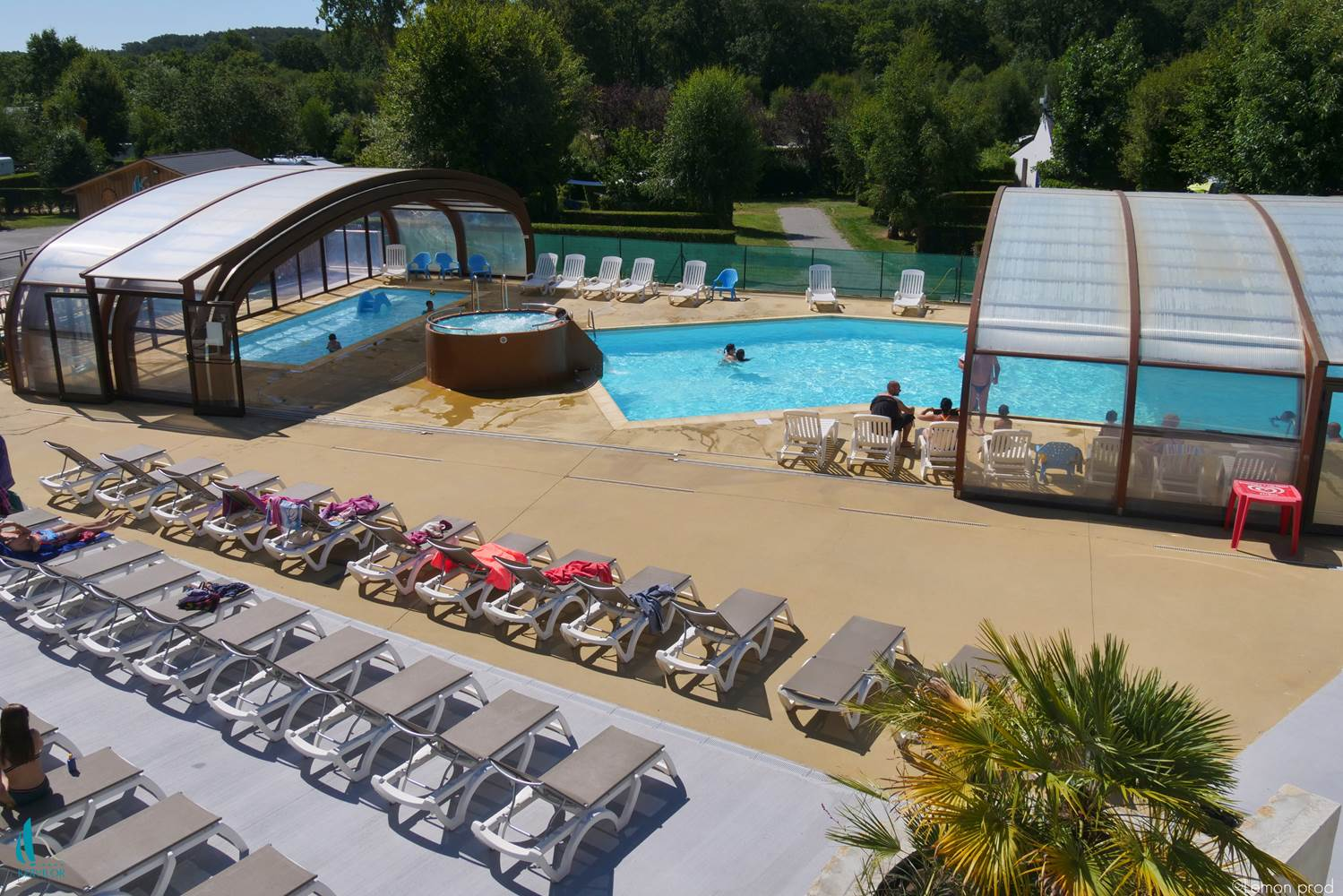 Trinite-sur-mer-Camping-Kervilor-Piscine-Couverte ©