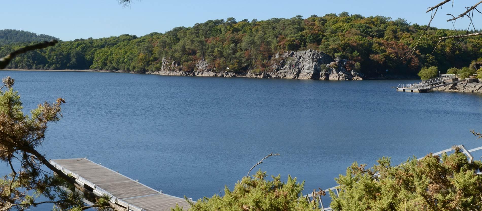 le Tour du Lac de Guerlédan à pied © Morbihan Tourisme