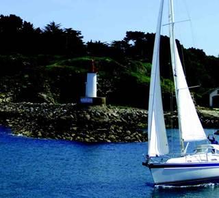 Navigation à la voile vers les îles
