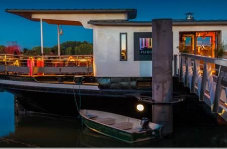 Le Piano Barge