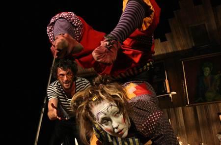 Festival Place aux Mômes : Le grenier à Pépé, cirque